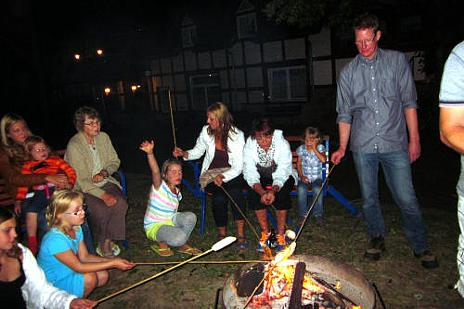 Stockbrot am Lagerfeuer
